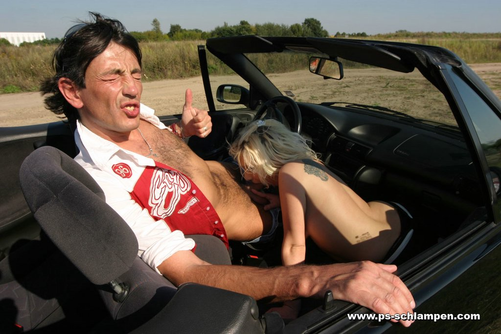 Paare ficken im Auto